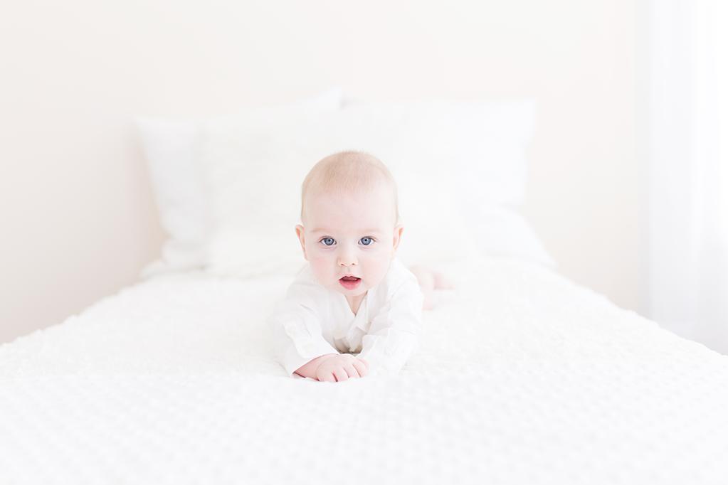 baby_milestone_session_sundayatseven
