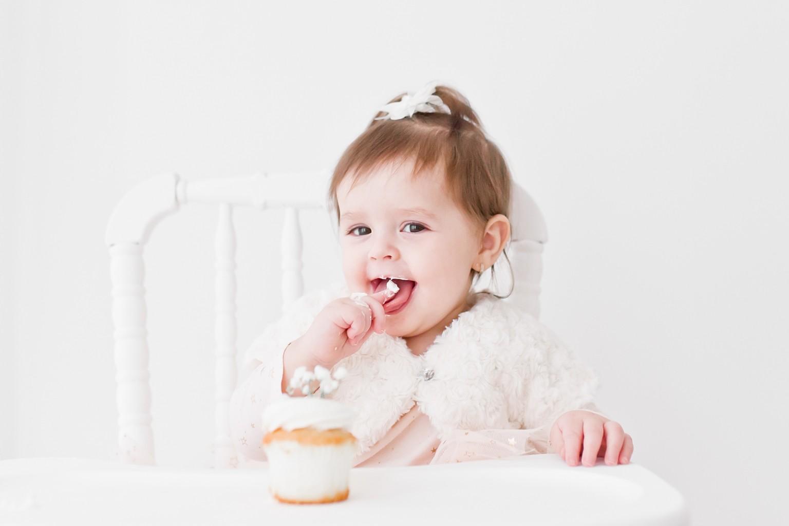 oakville baby photographer